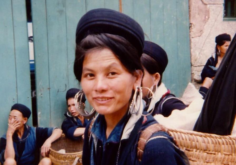 H'mong woman, central market, Sapa, 1995
